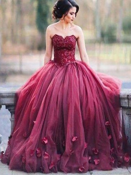 Ball Gown Sweetheart Applique Floor-Length Tulle Dress